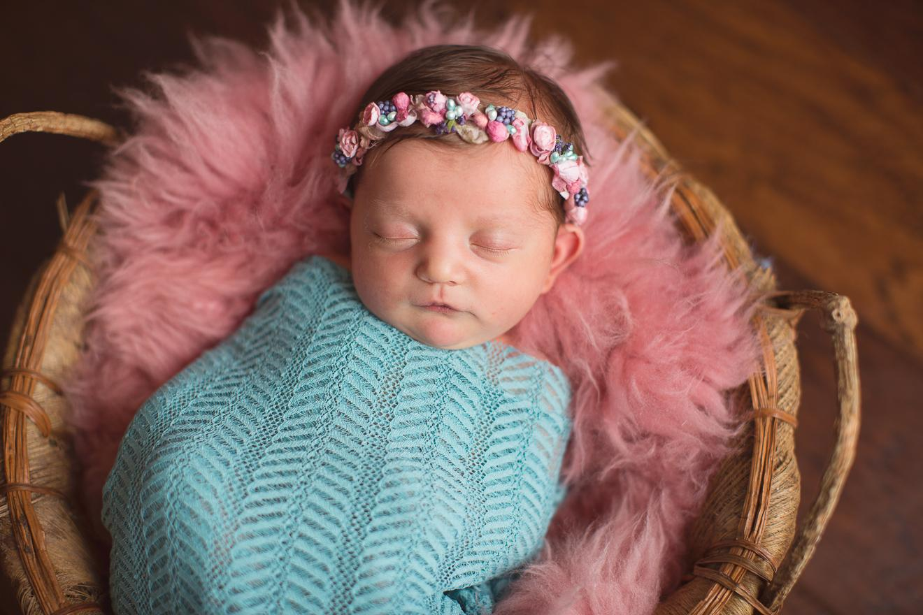 Best newborn photographer in Dallas Ft. Worth images by Sunny Mays Photography