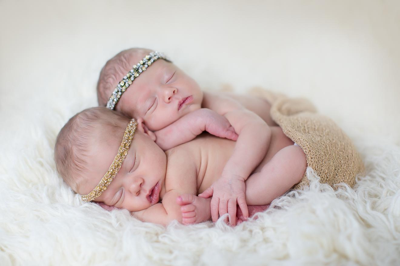 newborn twin girls photography by Southlake multiples photographer Sunny Mays